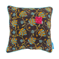 VINTAGE PILLOWS 40 x 40