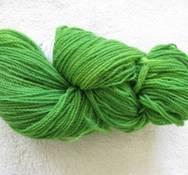 Handfärgat z-tvinnat gröngul melerad