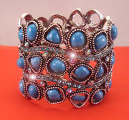 Turquise braclet with bling.