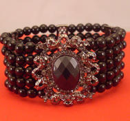 Goth pearlbraclet.
