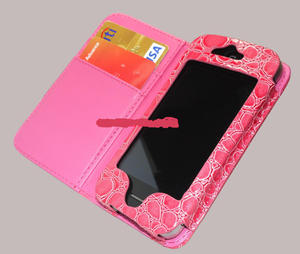 Cool iphone 4 bag in pink.