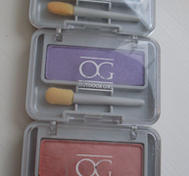 3 OG eyeshadows.