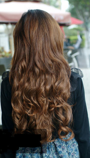 Hair extensions light blonde.Clip on.