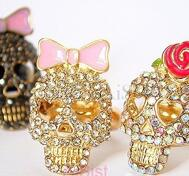 Cool skull rhinestone ring.