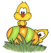 Påskkycklingar på ägg