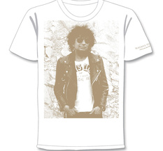 MAGNUS UGGLA - T-SHIRT, HANDS IN POCKET