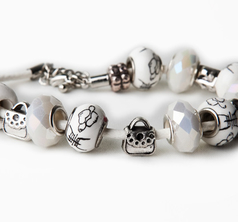 Japanese Pearl & Purse Bracelet