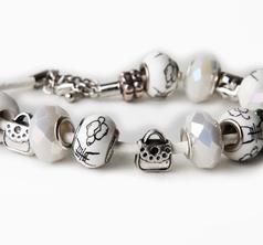 Japanese Pearl & Purse Bracelet