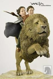 Narnia Girls on Aslan Statue
