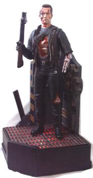 Terminator 2 T-800 Statue w/ light-up base