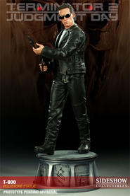Terminator 2: T-800 Statue