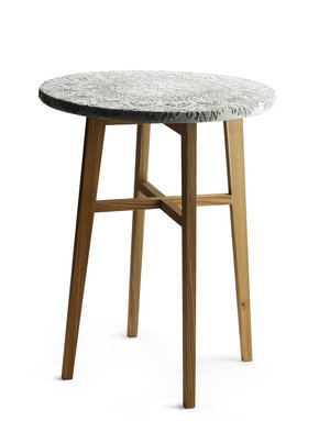 "Cafébord ""Stig"", betongskiva med underrede i alm"