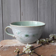 Big rounded teacup appleblossom