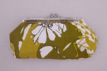 Vanity case, yellow