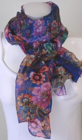 Blom Scarves