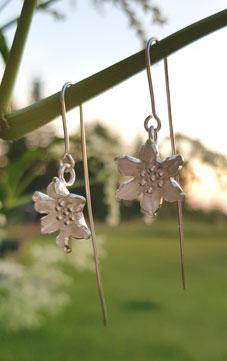 Earpiece silverflower