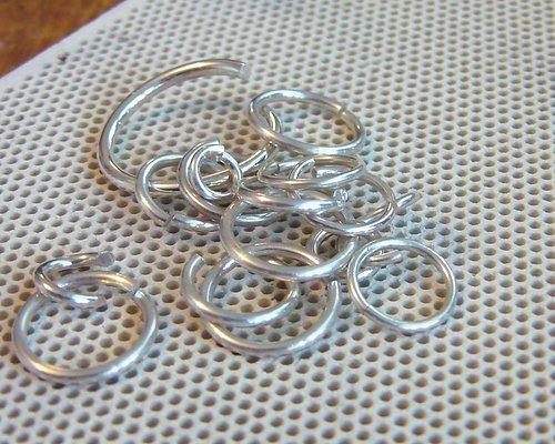 HOBBYMATERIAL Smyckestillverkning och Scrapbooking