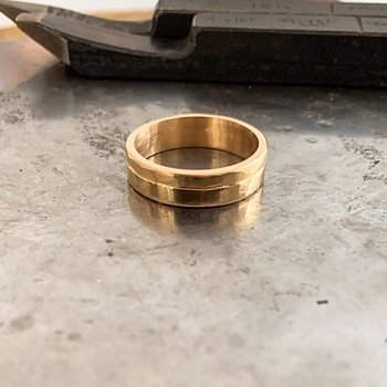 Ring Roughly handgjord guld
