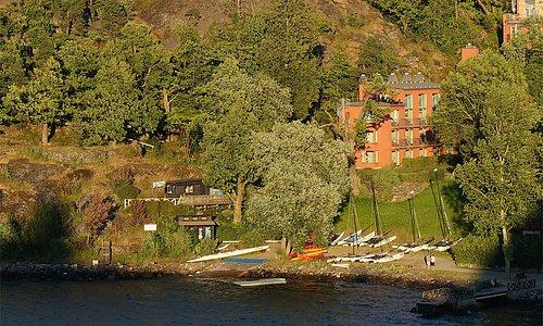 Uthyrning & kurser Lär dig segla Hobie på Ingarö