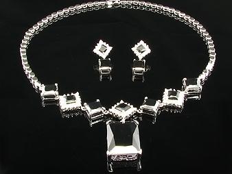 Halsband & Örhänge.  Wonderful