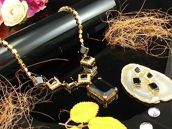Necklace & earrings. Diane