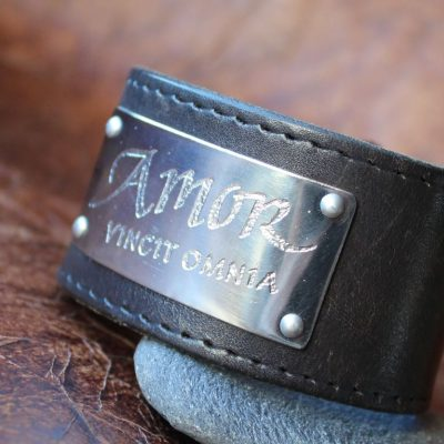 Läderarmband med text