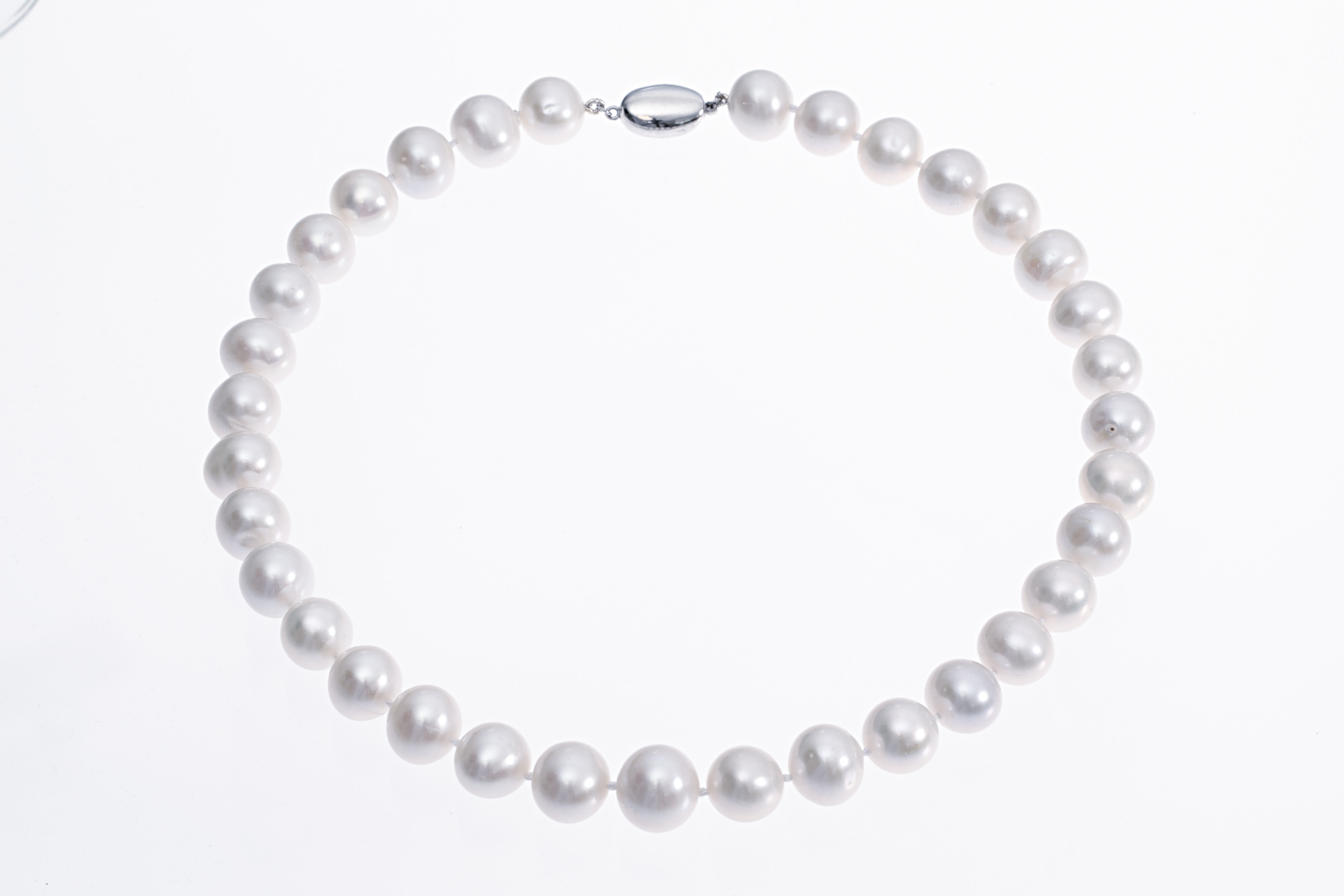 f6e20a4075b8f Large Freshwater cultured pearl necklace with silver clasp 13-14mm