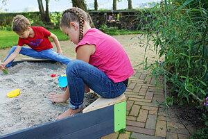 Utelek - sand, vatten, gungor mm!