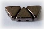 Khéops® par Puca® i koppar, triangelformad två-hålig pärla, 6 mm. 10 gram