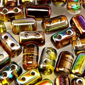 Rulla beads, tjeckisk cylinderformad två hålig pärla, Crystal Magic Green. 10 gram