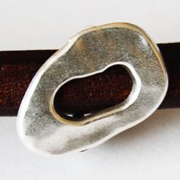 Oval metallpärla i kvalitetsmetall till Regaliz, 18*26 mm.