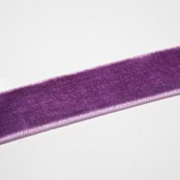 Lila sammetsband, 15 mm. Per meter.