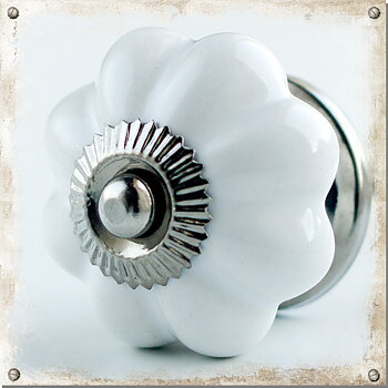 Monochromatic ceramic knob, white