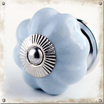Monochromatic ceramic knob, light grey