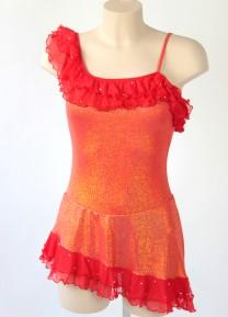 Röd klänning med volang