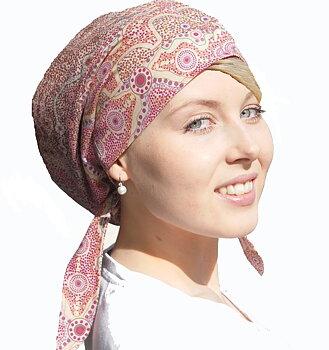 Lily med hårdel - alternativ till peruk