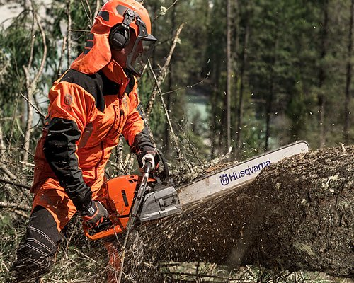 High cutting capacity with Husqvarna chainsaws