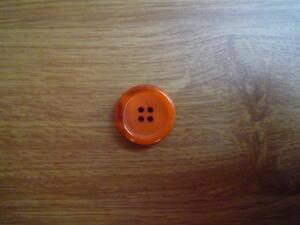 Knapp 4-håls 25.5mm fg. 3/124 Orange
