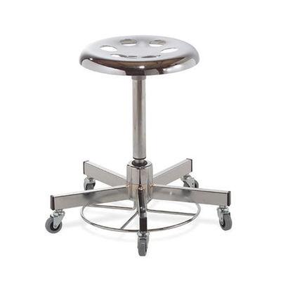 Operationsstol med gasfjäder och fotmanövrering med hjul