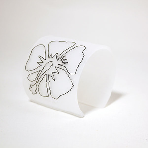 Armband Stitched Hibiscus, white 60 mm