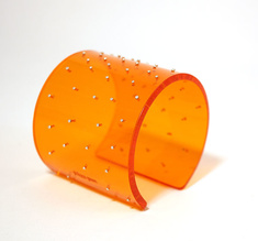 Cuff silver dots, orange 60 mm
