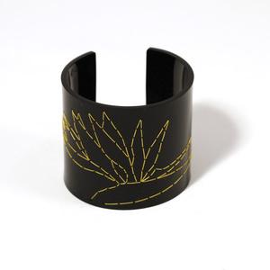 Cuff Stitched, black Strelitzia, 60 mm