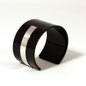 Cuff for men silver strip, black 40 mm