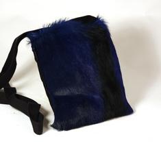 Axelremväska, springbok blå