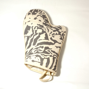 Botanical Zebra Ovenglove, Light Grey