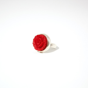 Ring in silver with red rose