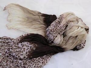 XL sjal med djurmönster.
