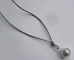Silverkula halsband