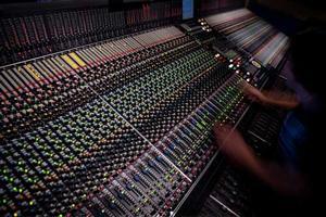Sponsra en ljud och ljus tekniker 30 000kr