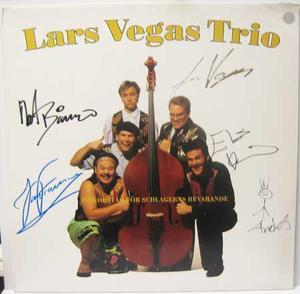 Autografer: Lars Vegas Trio - s/t / LP